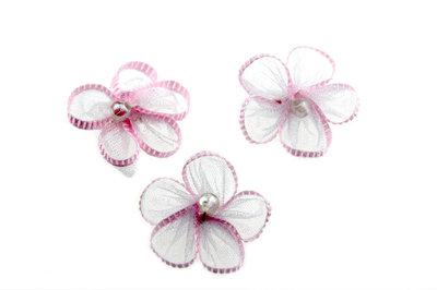 Organza bloemetje wit met roze randje